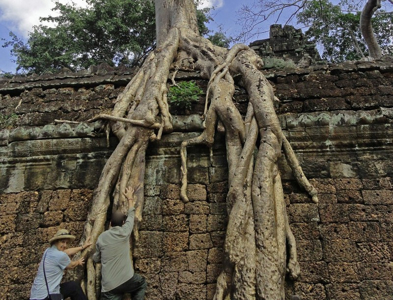 career break travel in Cambodia, Angkor Wat, Changes in Longitude, Michael and Larissa Milne
